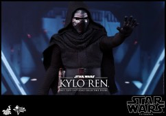 Hot Toys - Star Wars - The Force Awakens - Kylo Ren Collectible Figure_PR11