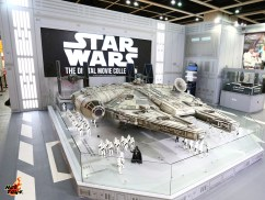 Hot Toys Star Wars Millennium Falcon