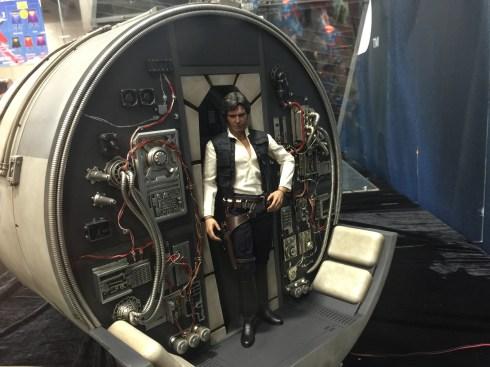 Hot Toys sixth scale Millennium Falcon cockpit