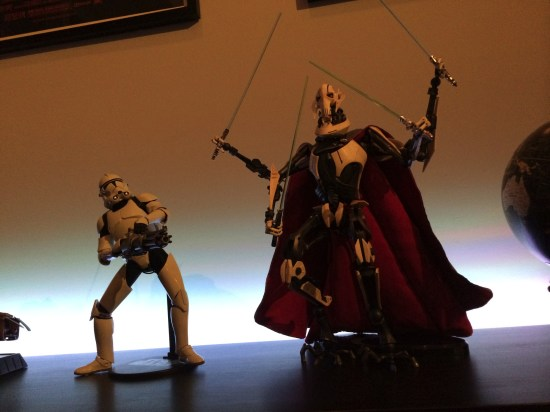 Sideshow Star Wars General Grievous Sixth Scale Figure next to Clone Trooper