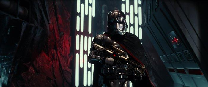 Star Wars The Force Awakens captain phasma 4