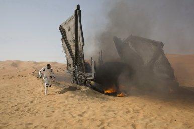 Star Wars The Force Awakens finn tie fighter