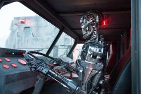Terminator Genisys Empire - robot