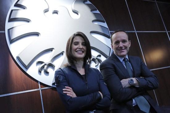 agents-of-shield-set-photo-cobie-smulders-clark-gregg