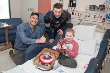 chrispratt-chrisevans-hospital1