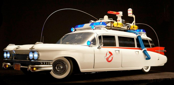 Sixth Scale Ghostbusters Ecto-1