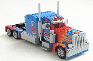 lego-optimusprime3