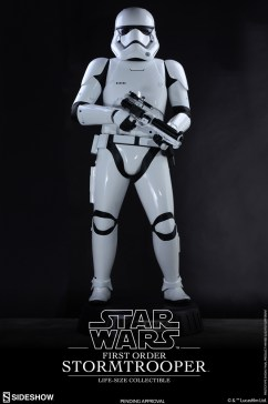 life size stormtrooper 2