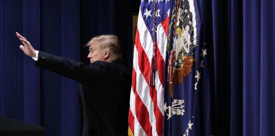 Trump choisira-t-il l'abdication, l'exil ou encore le scénario du mauvais joueur?| Chip Somodevilla/ Getty Images North America / AFP