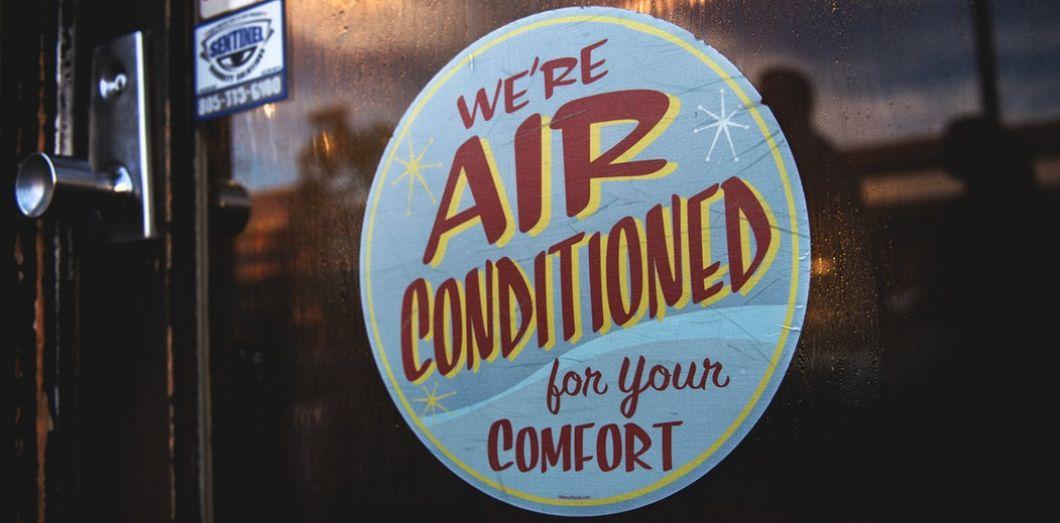 Nous subissons les critères de température d'un businessman américain de 1967| Tim Mossholder via Unsplash