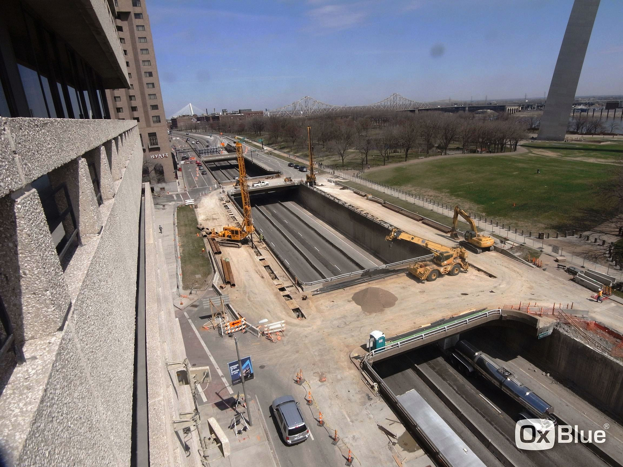 Gateway Arch Construction