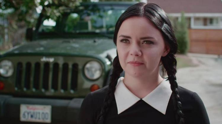 catcalling Addams FAmily Adult Wednesday Addams Youtube Serie