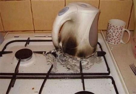 Wie man Wasserkocher nicht benutzt Fail