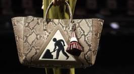 ANYA HINDMARCH FALL 2015 fashion gifs