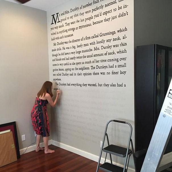 Meredith McCardle buch an die wand schreiben
