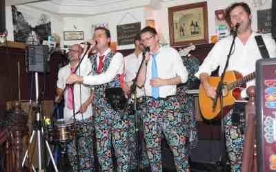 Bockpop met De Slechte Band in café Van Hout