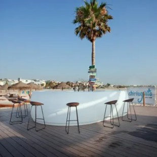 meubles-exterieur-dessin-bar-tavouret-vela-fiesta-ramon-esteve-archivolto-vondom