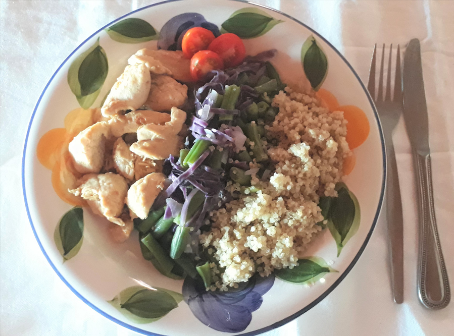 Recipe – Lemony Chicken Served With Green Beans and Quinoa