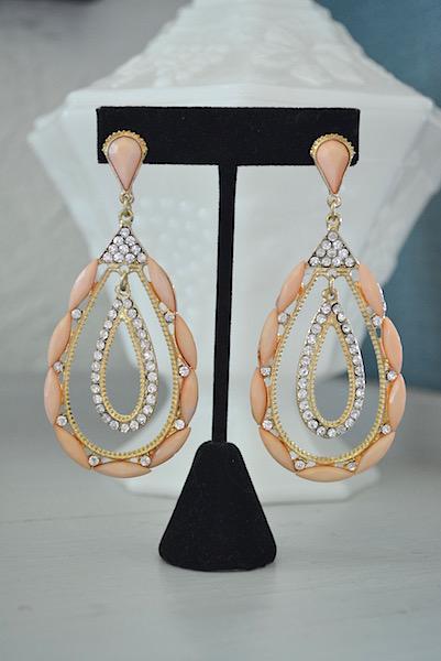 pink teardrop earrings, pale pink earrings, teardrop jewelry, vintage style jewelry, bridal earrings, blush earrings
