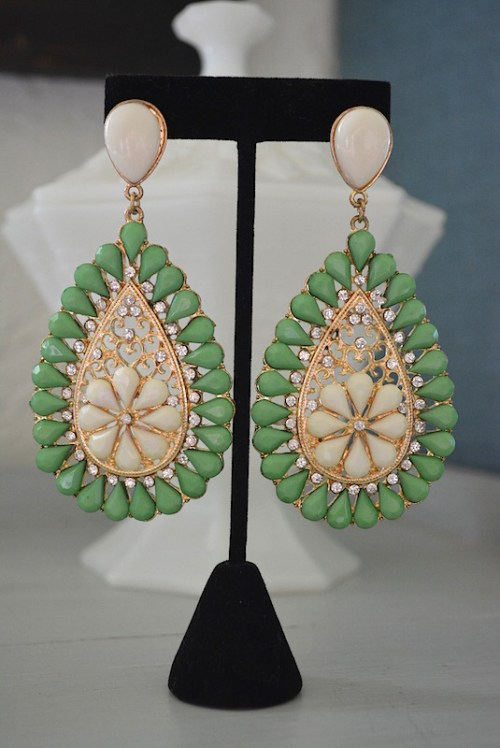 Green Teardrop Earrings. Green Earrings, Sari, Chandelier Earrings