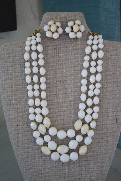 White Jewelry Set,White Jewelry, White Necklace and Earrings,Necklace and Earrings,White Beaded Necklace Set, Vintage White Jewelry