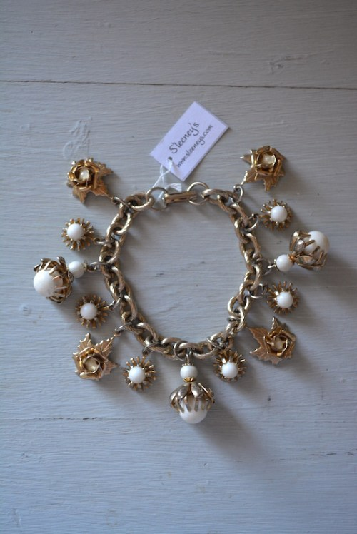 White Beaded Charm Bracelet,Vintage Charm Bracelet,Charm Bracelet,White Beaded Bracelet, Flower Bracelet