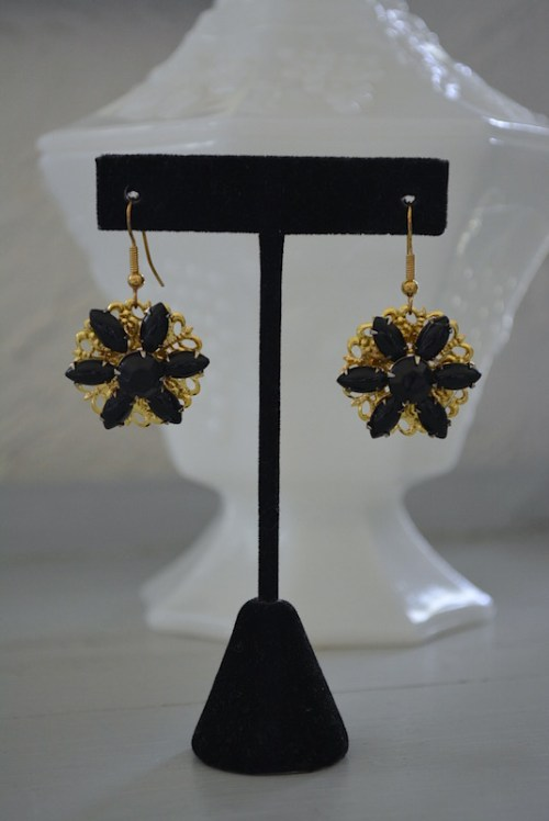 Black Flower Earrings, Handmade Jewelry, Black Earrings, Black and Gold Earrings, Flower Earrings, Repurposed Jewelry, Vintage Parts