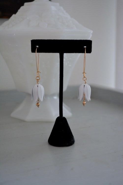 White Lily Earrings, Flower Earrings, White Flower Earrings, Flower Jewelry, Flower Earrings
