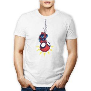 Tshirt 100% cotone personalizzata con spiderman versione baby che si cala con la sua raganatela su maglietta bianca