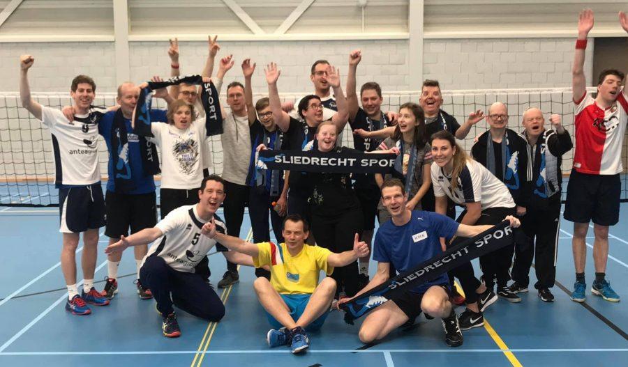 17 sporters bij eerste Uniek Volley-sessie van Sliedrecht Sport