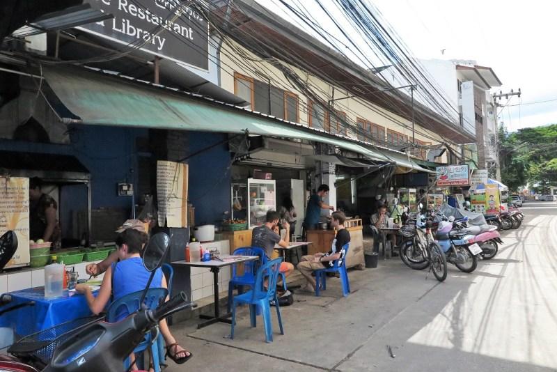 alleyway vendors
