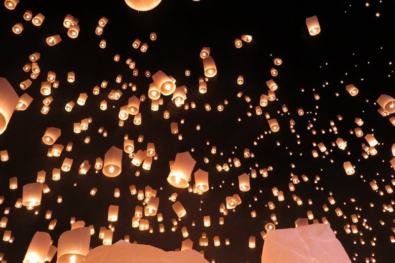 floating lanterns 1