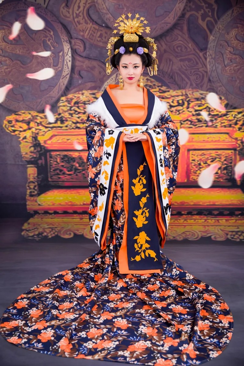 queen for a day a glamour photoshoot in china slightly astray. Black Bedroom Furniture Sets. Home Design Ideas