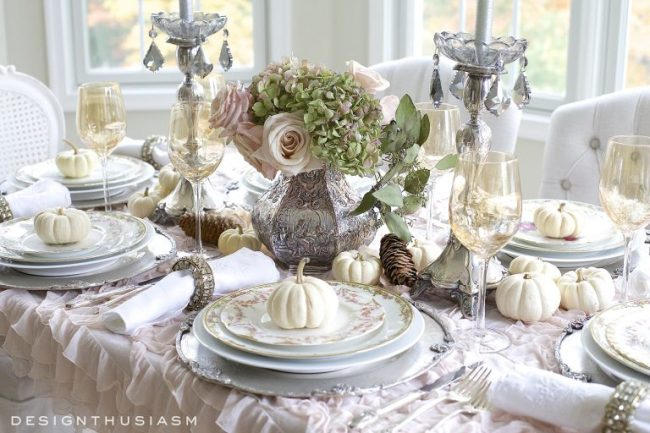 a-soft-vintage-thanksgiving-table-01-768x512
