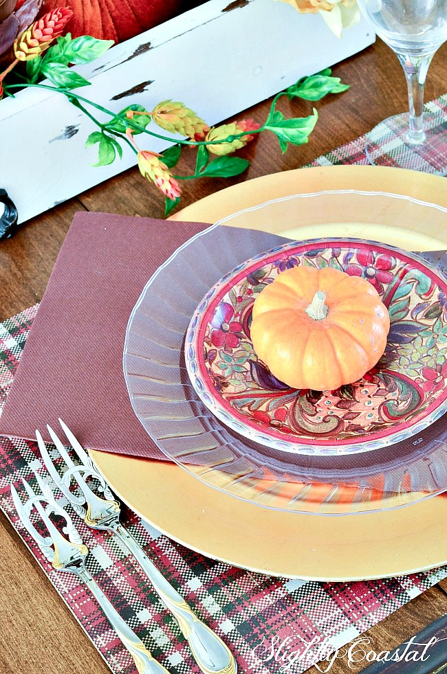 This beautiful Thanksgiving Tablescape was created using mostly disposable paper plates. A quick easy  sc 1 st  Slightly Coastal & Paper Tablescape Thanksgiving | Slightly Coastal