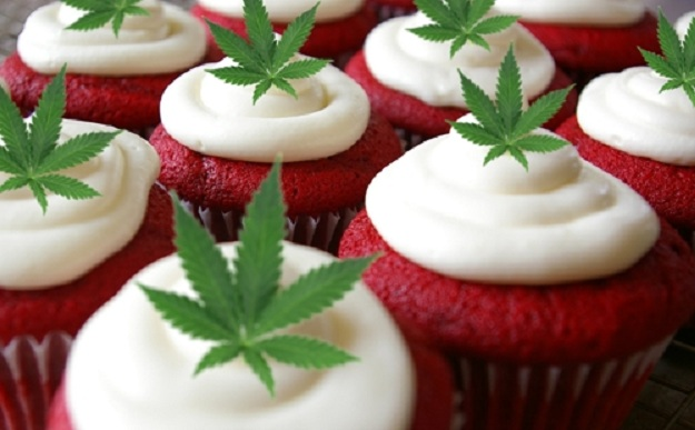 Chocolate_Red_Velvet_Cannbis_Cupcakes