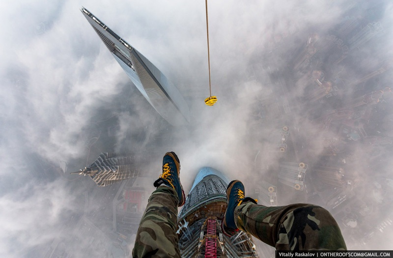 photos-from-shanghai-tower-climb-vitaliy-raskalov-1