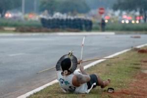 indijanci brazil svjetsko prvenstvo luk i strijela policija sukob