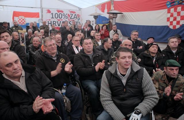 branitelji šator savska 66 deložacija policija