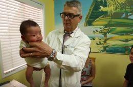 smiriti uplakanu bebu
