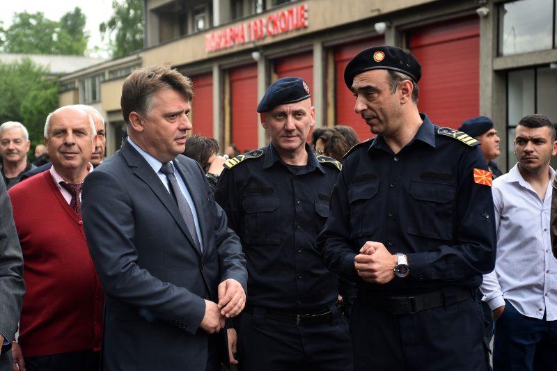 Шилегов до пожарникарите: Продолжете да бидете наша гордост