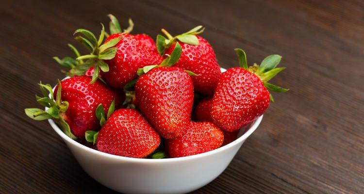 Бидете внимателни – Колку шеќер и калории се кријат во вашето омилено овошје?