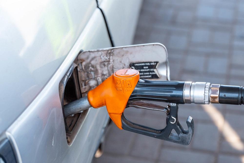 Цените на горивата од денеска ќе се одредуваат по новата методологија