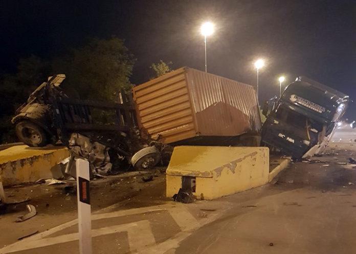 СТРАВИЧНА СООБРАЌАЈКА КАЈ ГРАДСКО: Камион се заби во бетон