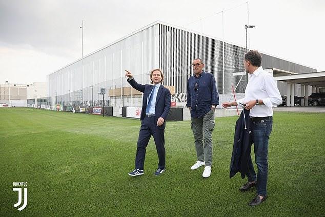 Премиер лигата е милји пред Серија А