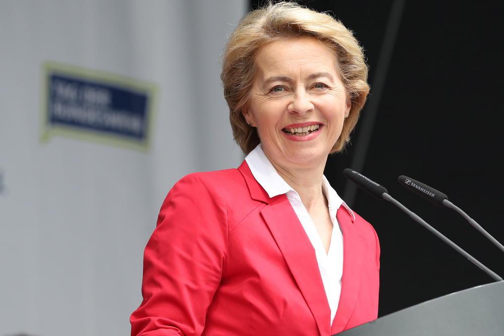 Фон дер Лејен со пофални зборови: Македонија е светол пример
