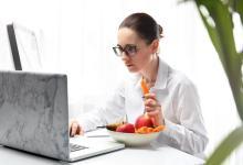 јадење биро работа