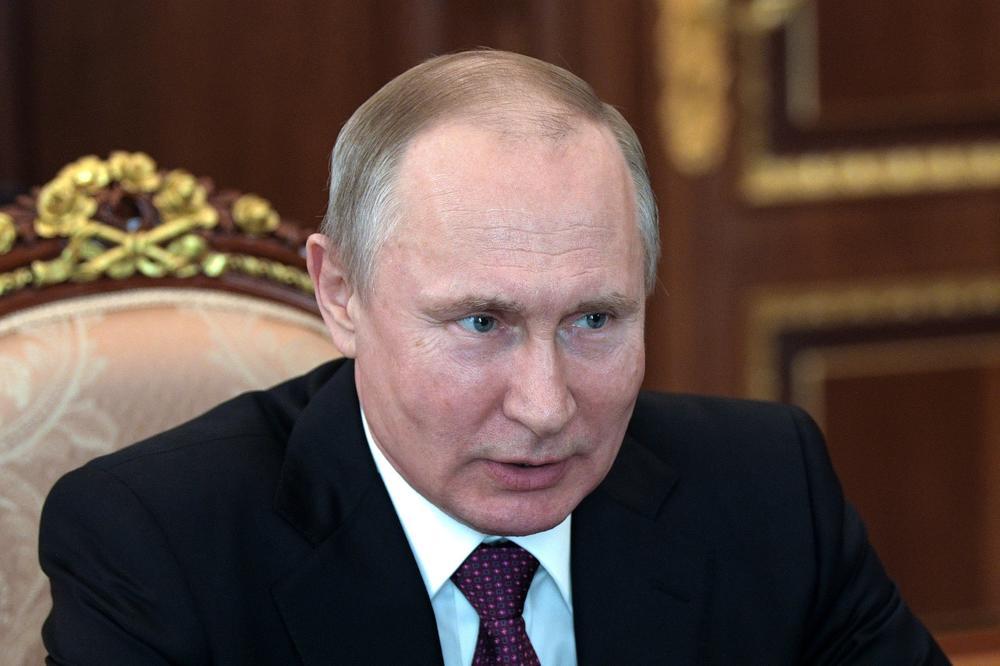 Путин: Непримањето вакцина против грип е како сами да си пукате во нога