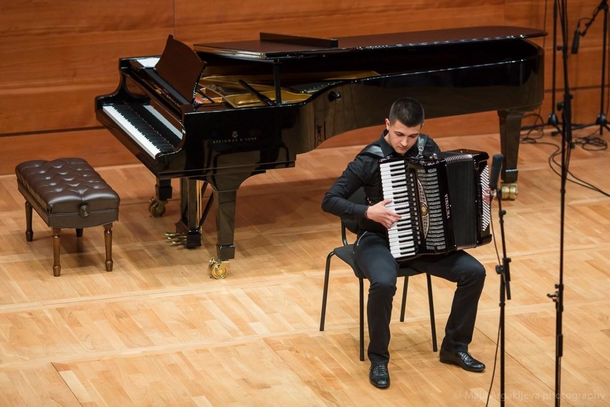 Музичарот Давид Велков освои награда на натпревар во Кина