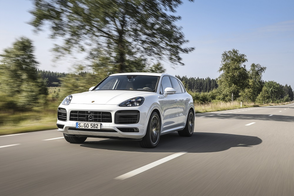 Најмоќниот Porsche Cayenne е plug-in хибрид (ФОТО+ВИДЕО)